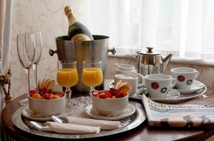 Cahir House Hotel | TIPPERARY | Champagne Breakfast in Bed